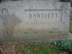 Annie L Bartlett