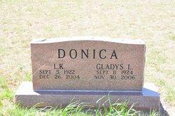 Gladys <i>Scoggins</i> Donica