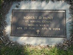 Robert D Hunt