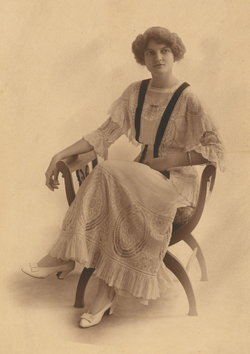 Elizabeth Leary <i>Grogan</i> Trotter