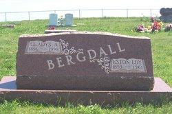 Eston Loy Bergdall
