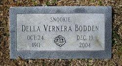 Della Vernera Snookie <i>Nelson</i> Bodden