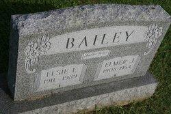 Elsie E <i>Bond</i> Bailey