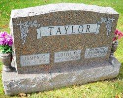 Stephanie <i>Taylor</i> Fryman