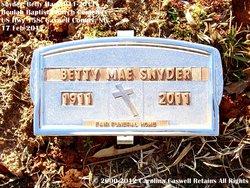 Betty Mae <i>Hall</i> Snyder