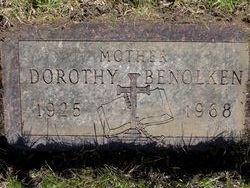 Dorothy M <i>Schoenberg</i> Benolken