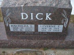 Leverne E Dick