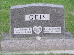 Rose Marie <i>Moonen</i> Geis