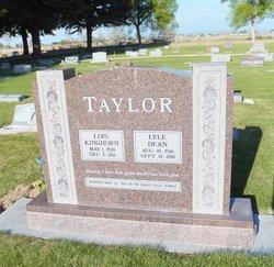 Lois <i>Kinghorn</i> Taylor