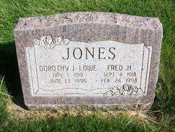 Dorothy Jean <i>Lowe</i> Jones