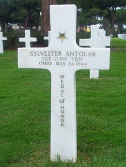 Sgt Sylvester Antolak