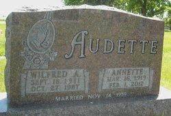 Annette <i>Vaudrin</i> Audette