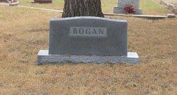 Pearl E <i>Roberts</i> Bogan