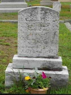 Elsie M Andrews