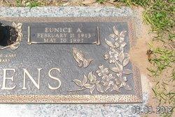 Eunice <i>Arnold</i> Dickens