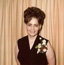 Margaret Louise Peggy <i>Gill</i> Carson