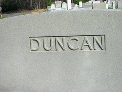 Della <i>Woodruff</i> Duncan