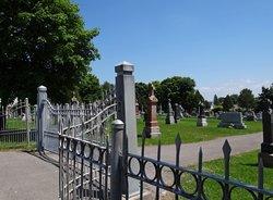 Saint-Charles Borrom�e Cemetery