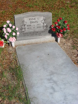 Annie L Davis
