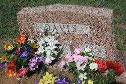 Elsie <i>Laday</i> Davis