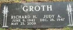 Richard H Groth