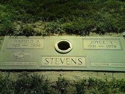 Harold R Stevens