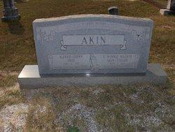 Vera Winnie <i>Walker</i> Akin