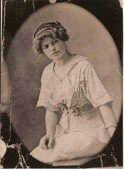 Bertha May <i>Henricks</i> Wondell Schneider