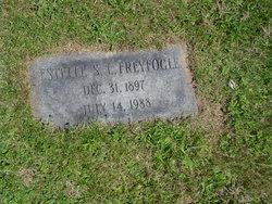 Estelle Sl <i>Carrick</i> Freyfogle