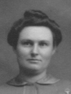 Edna Blanche <i>Reisinger</i> Simmons