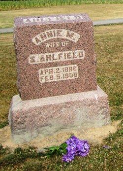 Annie M <i>Ryan</i> Ahlfield