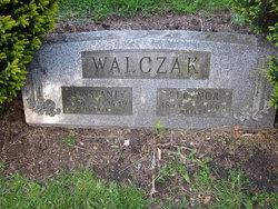 Eleanor <i>Zielinski</i> Walczak