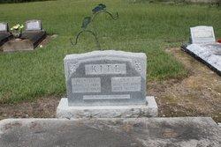 Alfred L Papa Kite