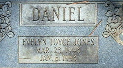 Evelyn Joyce <i>Jones</i> Daniels