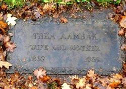 Thea <i>Yttrie</i> Aambak