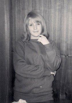 Marilyn Louise <i>Harnett</i> McCombs