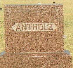 Louise Matilda <i>Holle</i> Antholz