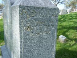 David T Devin