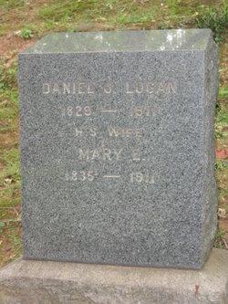 Mary E Logan