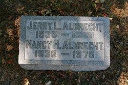 Nancy <i>Heiskell</i> Albrecht