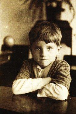 Jean J Bassett