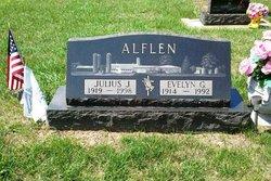 Julius J Alflen