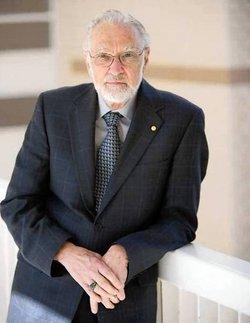 Dr R. Duncan Luce