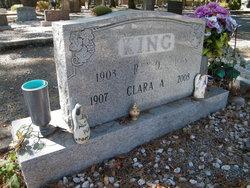 Clara Alzina <i>Hansel</i> King