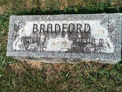 Luella May <i>Beard</i> Bradford