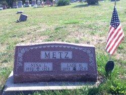 Nina Metz