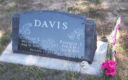 Patricia J. <i>Shores</i> Davis