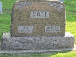 Leah Fern <i>Walter</i> Hoff