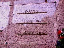 Mary J. <i>Gilliland</i> Davis