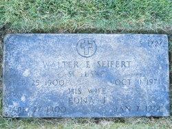 Edna J <i>Smith</i> Seifert